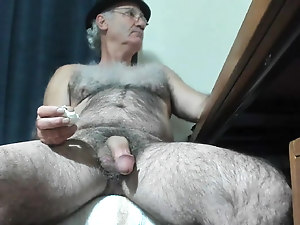 Big dick shemale pov and cumshot